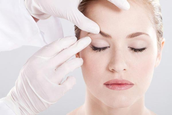 درمان افتادگی پلک پف چشم با جراحی